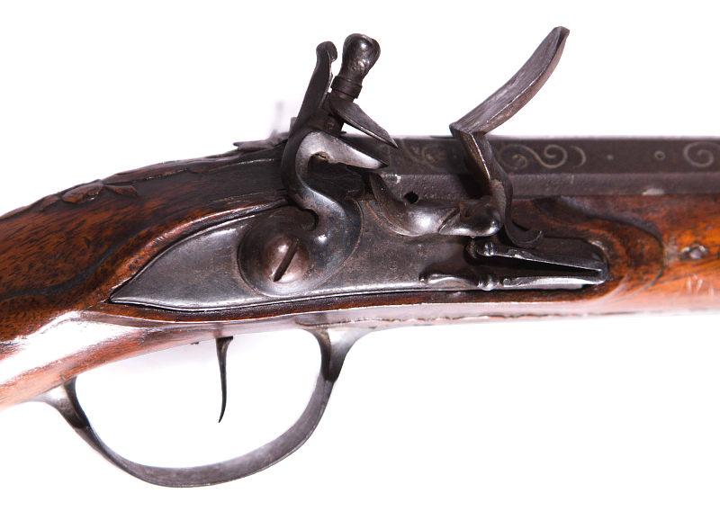 moró antik wien pistol