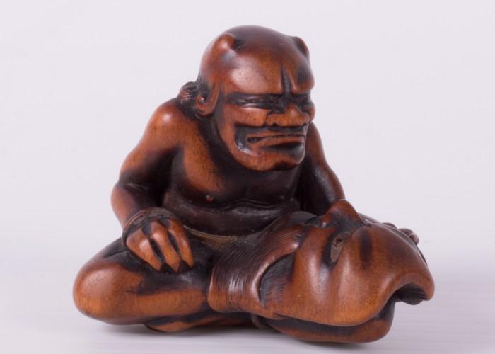 <!--:en-->Mask-Carver Oni Netsuke <!--:--><!--:hu-->Maszkos Oni Netsuke <!--:-->