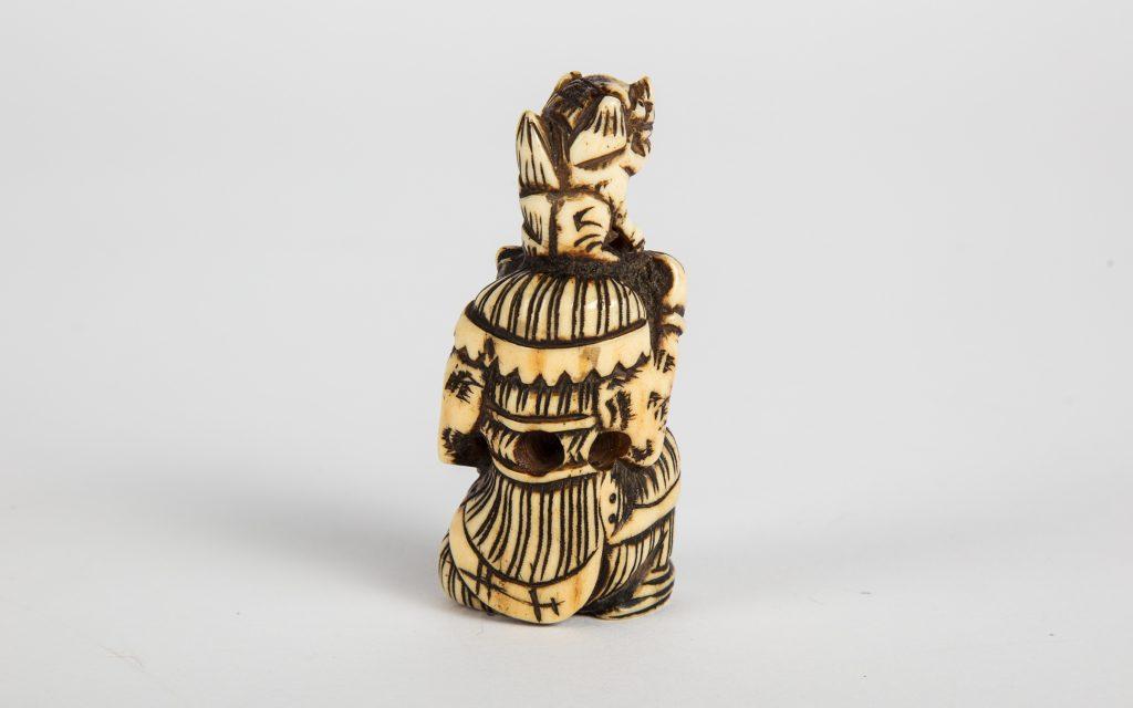Samurai shishi netsuke
